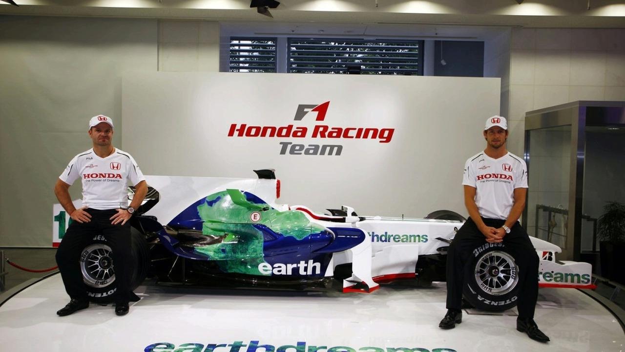 Richardsin löytö, Jenson Button, tulisi miltei kaupanpäällisinä.