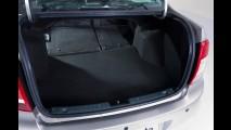 Lada apresenta o sedan Granta para mudar sua história