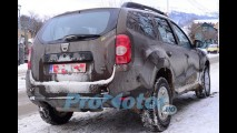 Flagra: Dacia Duster é fotografado na Romênia com novo visual interno