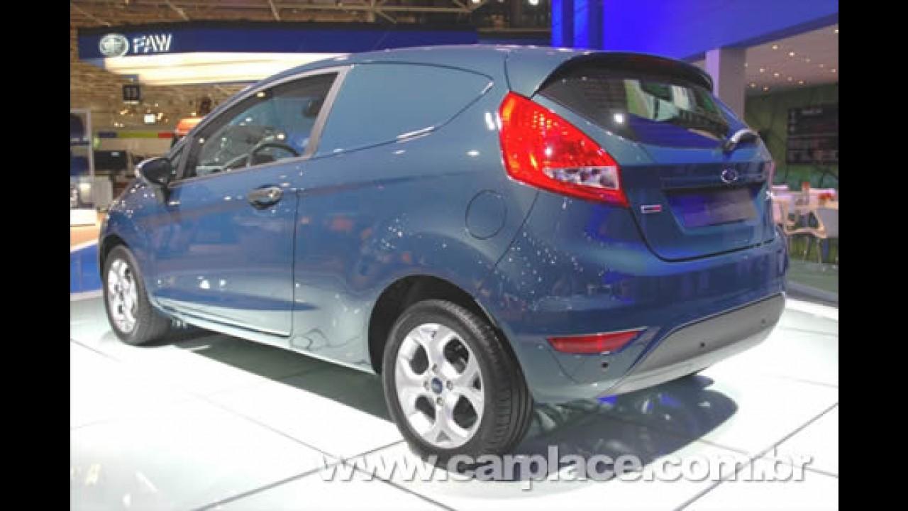 Uso Comercial: Ford lança oficialmente a versão Fiesta Panel Van em Hanover