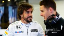 Fernando Alonso, McLaren, Stoffel Vandoorne, third driver, McLaren F1 Team