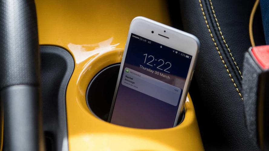 Nissan usa tecnologia do século XIX para bloquear uso do celular