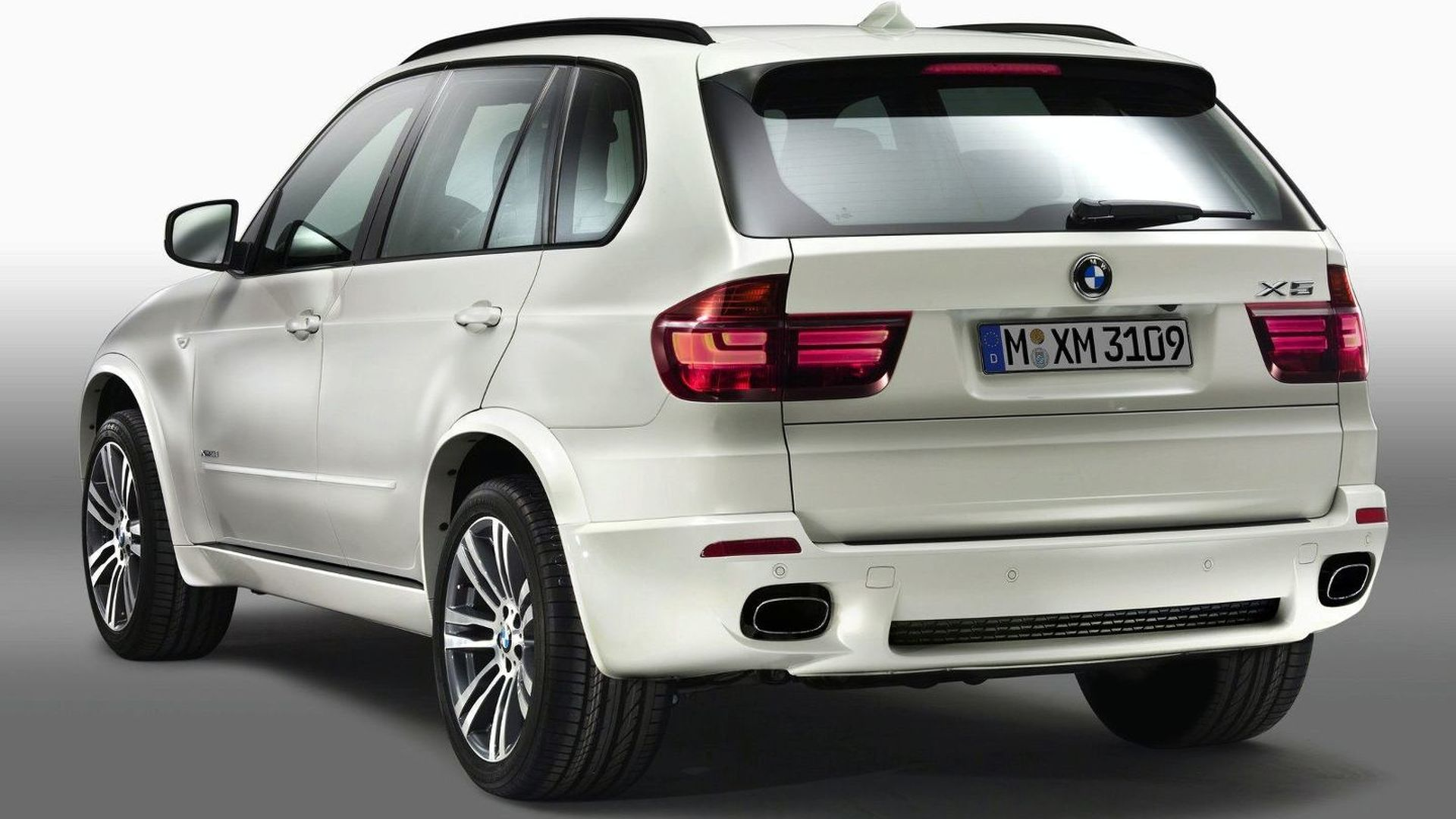 2011 bmw x5 facelift with m sport package details and. Black Bedroom Furniture Sets. Home Design Ideas