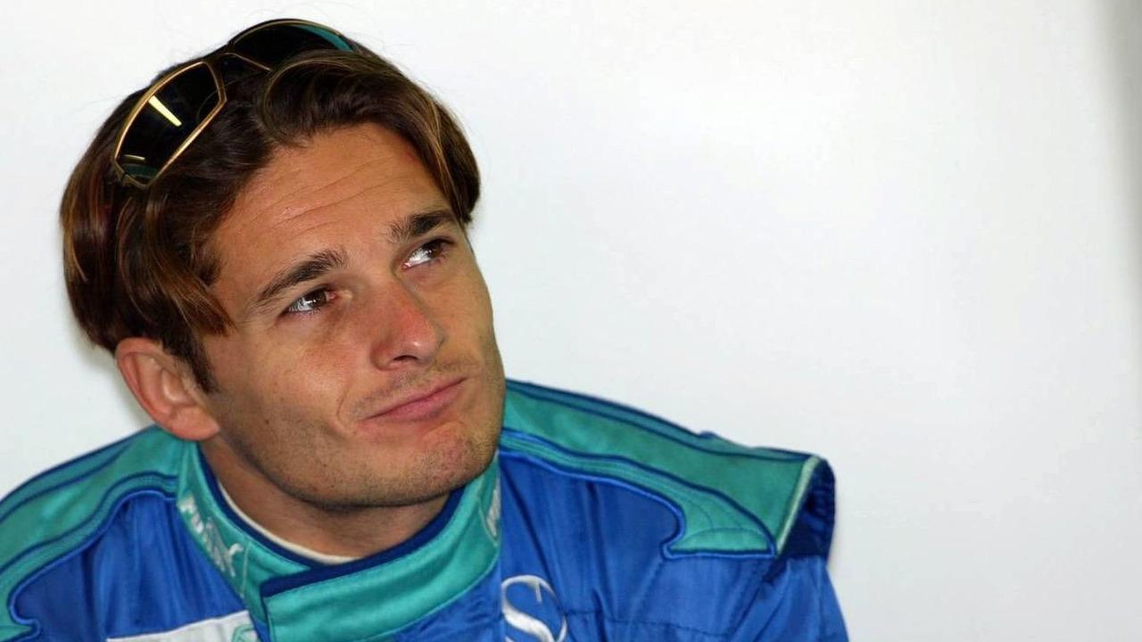 Giancarlo Fisichella, ITA, Sauber, C23, Pitlane, Box, Garage, Brazilian Grand Prix, BRA, Interlagos, Brazil, Practice, 23.10.2004