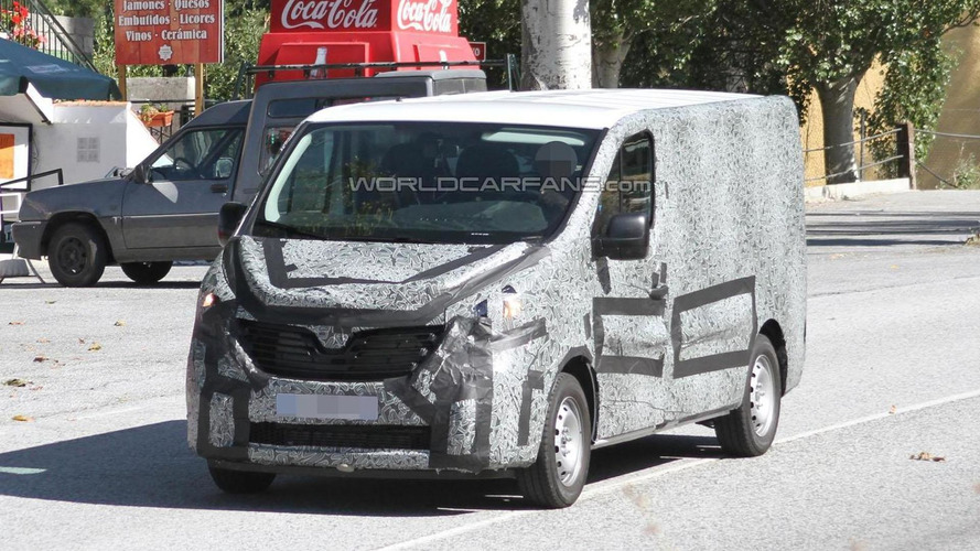 2015 Renault Trafic spied for the first time