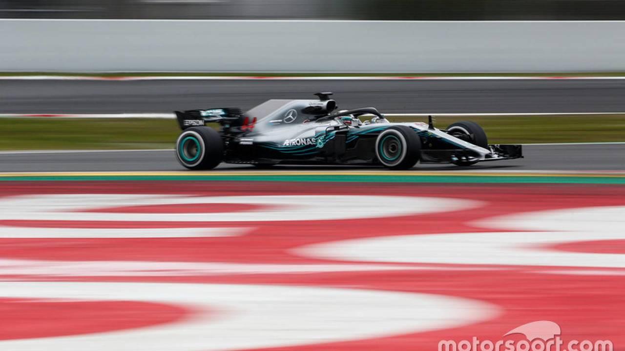 1.- Lewis Hamilton: 1:19.333