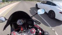 Moto vs Tesla Model S