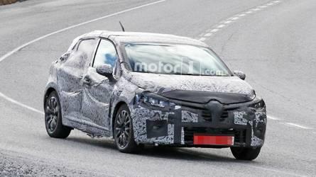 Flagra: Novo Renault Clio 2019 é pego em testes pela primeira vez