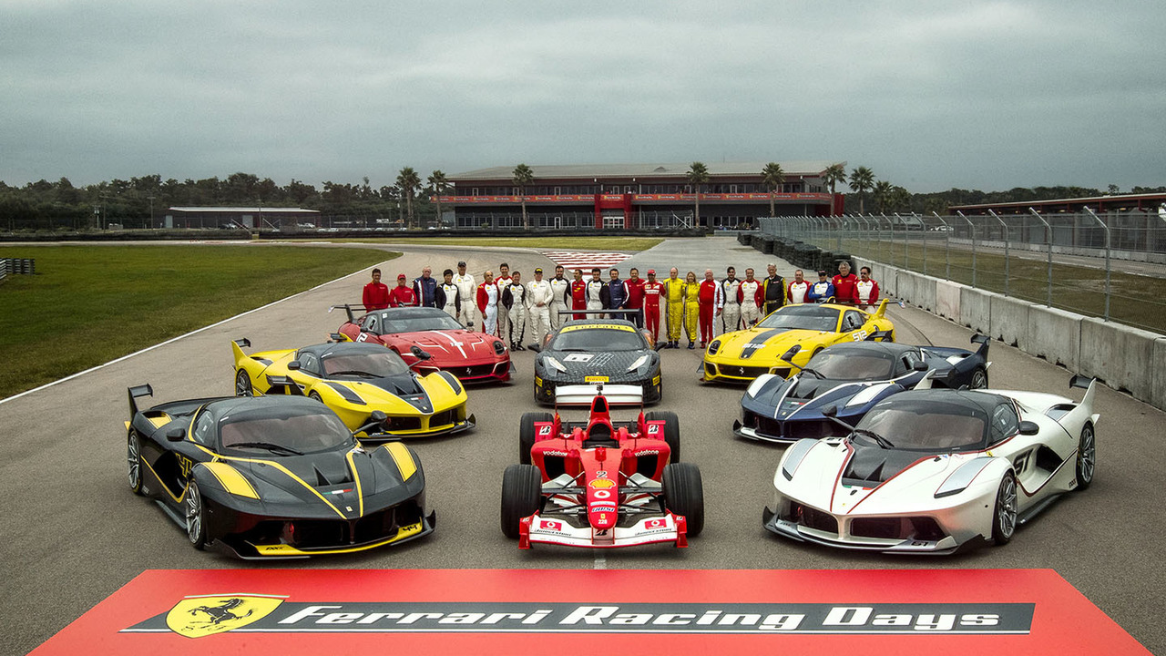 Group photo with F1 clienti, FXX programme and Ferrari Challenge drivers