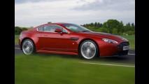 Conversível: Aston Martin V12 Vantage Roadster será lançado no Salão de Genebra