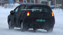 Peugeot 3008 7-seater MPV spy photos