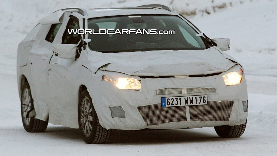 Renault Megane Grand Tour Spied for First Time