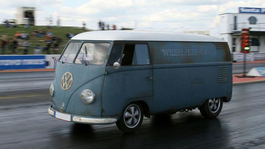 1953 VW Bus breaks world record for fastest VW van