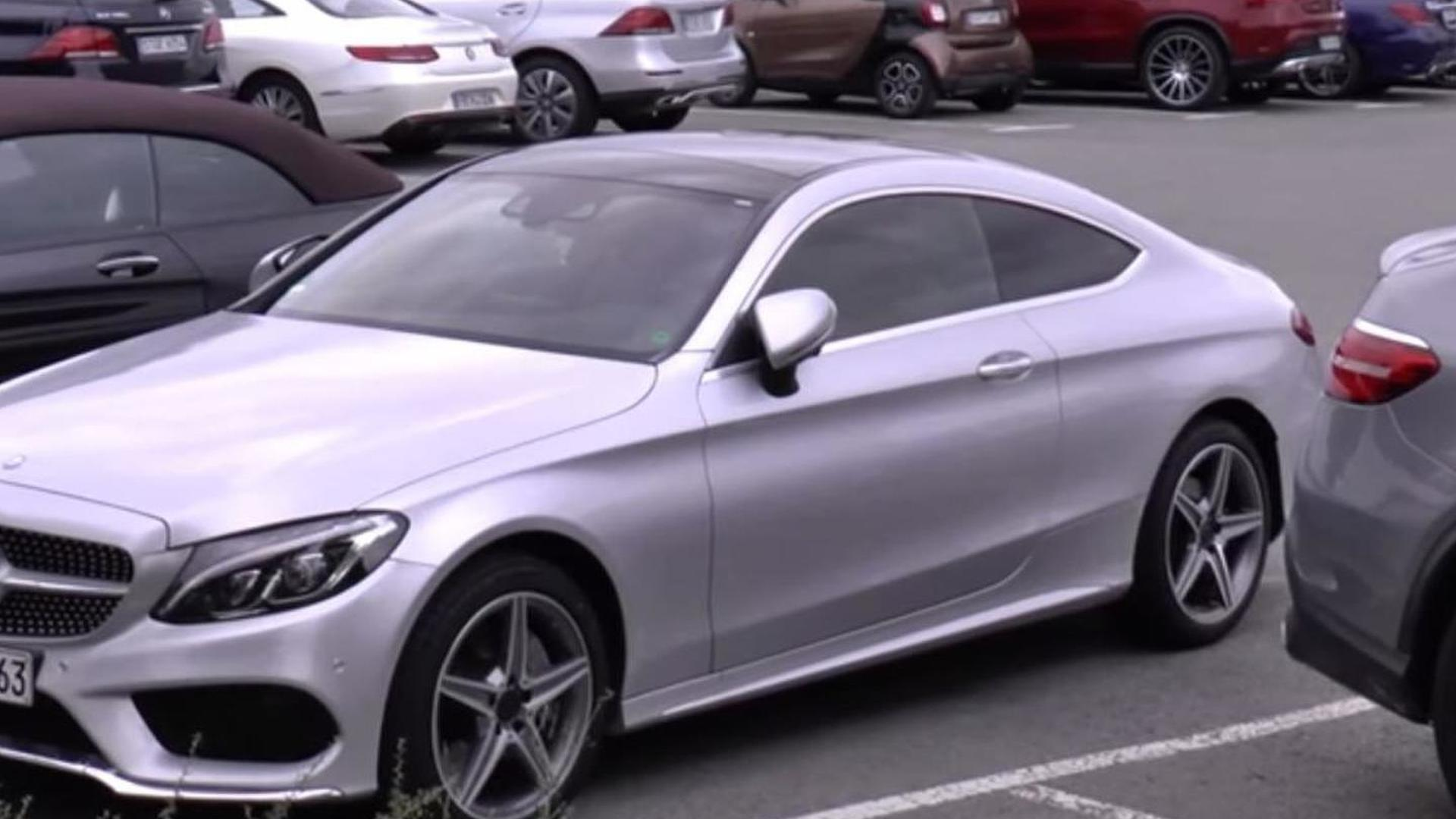 mercedes benz c class coupe and s class cabriolet spotted in the metal for the first time videos. Black Bedroom Furniture Sets. Home Design Ideas