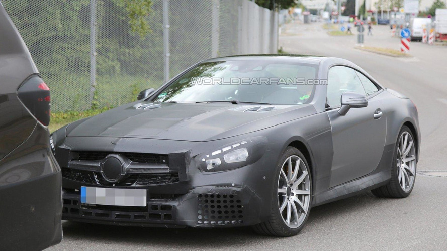 Mercedes SL63 AMG facelift spied for the first time