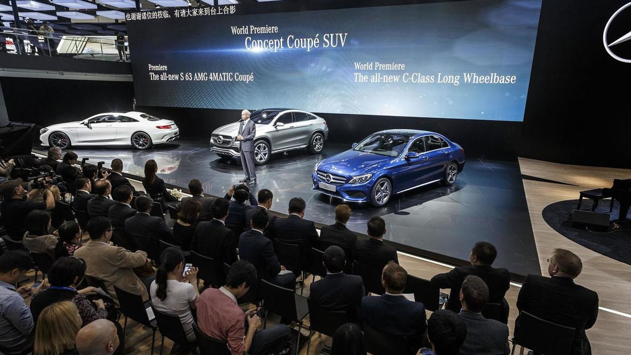 Mercedes C-Class L live at Auto China