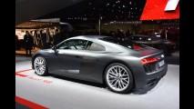 Flagra! Depois de aparecer em posto, novo Audi R8 é pego na estrada