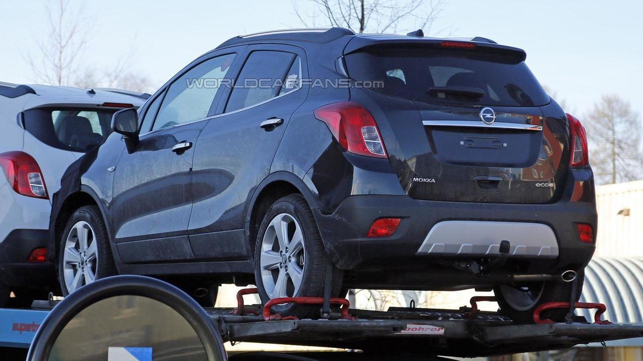 2016 Opel Mokka facelift spy photo