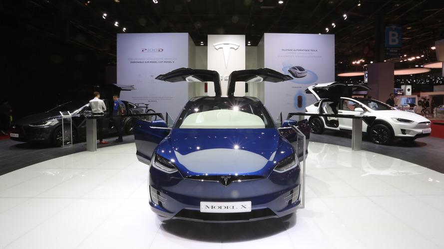 Tesla, Model X 60D'nin üretimini durduruyor