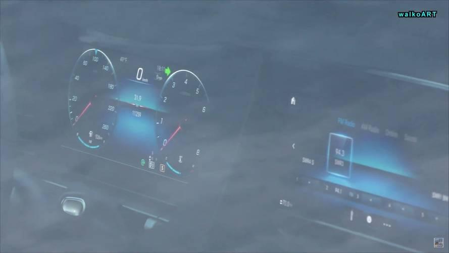 2019 Mercedes GLE screenshots from spy video