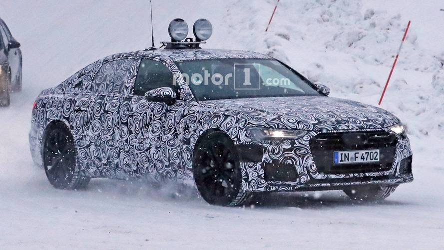 Next-generation Audi A6 spotted with production lights