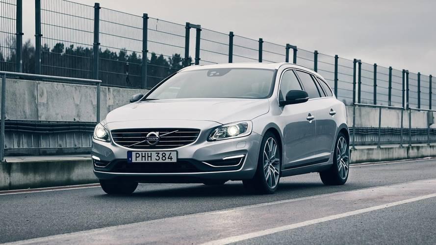Volvo, yarışlardaki başarılarını S60 ve V60'ın özel versiyonlarıyla kutluyor