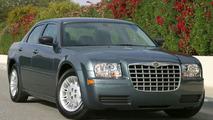 Chrysler 300 wins AJAC 2005 Best New Luxury Car award