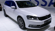 2011 Volkswagen Passat facelift live in Paris 30.09.2010