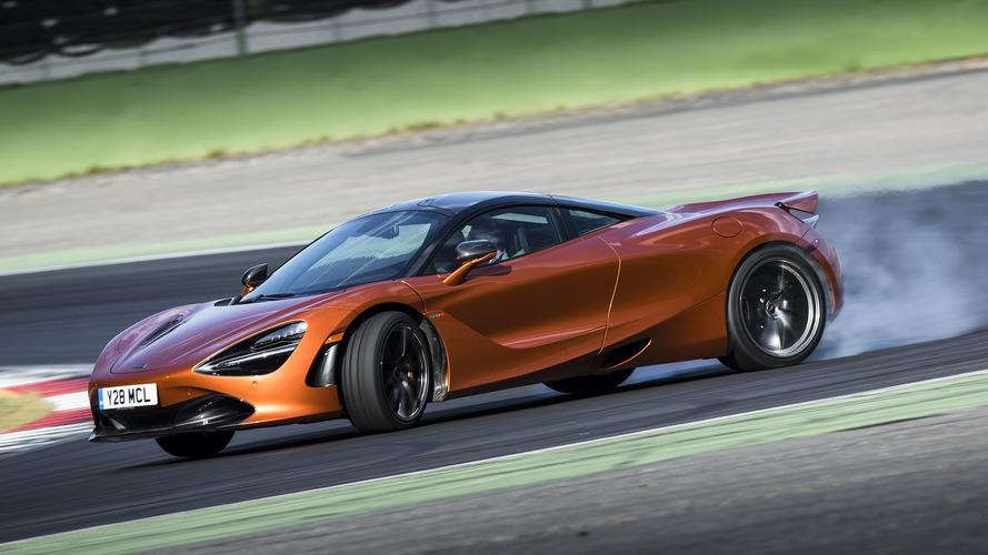 McLaren, dört tekerlekten çekiş sistemini değerlendiriyor