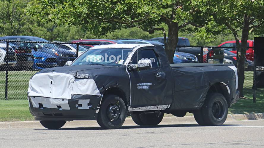 2020 Ram 2500 HD Dually Spy Photos