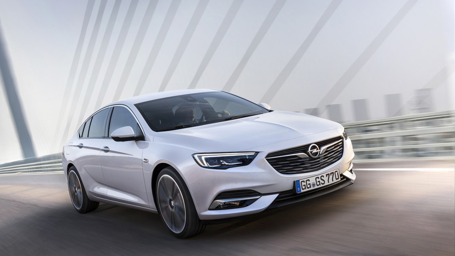Opel Insignia gelmeden fiyatları açıklandı
