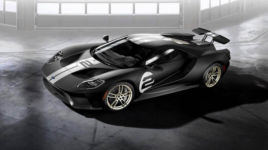 2017 Ford GT has 647 horsepower and does 347 km/h