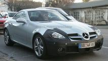 Mercedes SLK Facelift spy photo