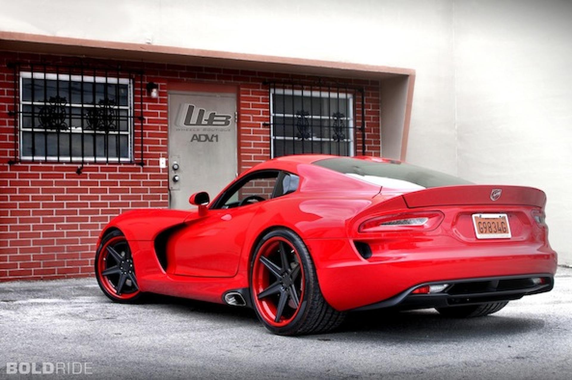 Wheels Boutique Freshens Up the SRT Viper