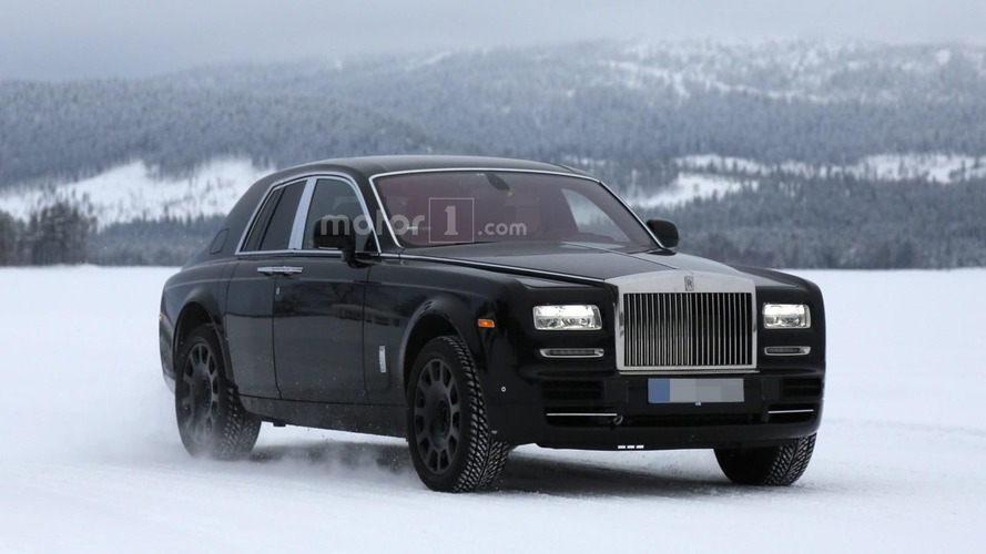 Rolls-Royce Cullinan mule spied cold weather testing