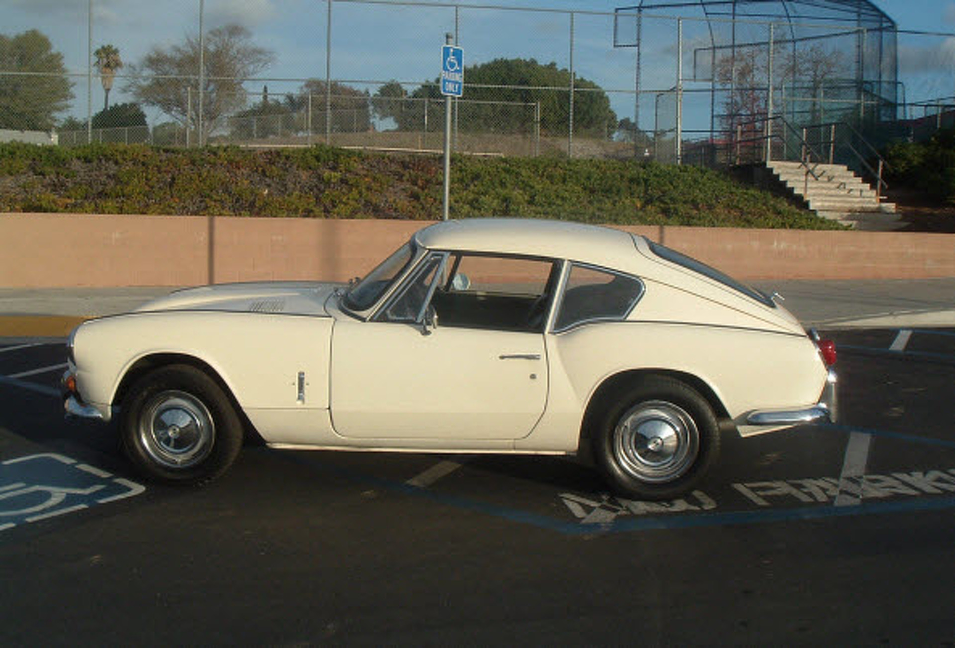 eBay Car of the Week: 1968 Triumph GT6 Mk1