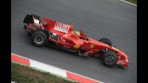 Valentino Rossi prova la F2008 a Barcellona