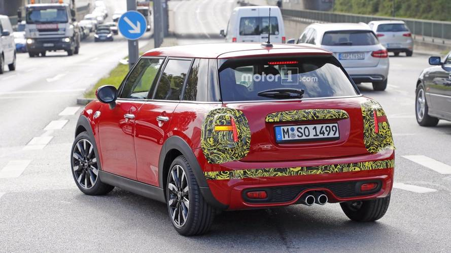 2018 mini cooper s spotted with union jack rear lights. Black Bedroom Furniture Sets. Home Design Ideas