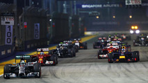 Lewis Hamilton (GBR) leads at the start of the race, 21.09.2014, Singapore Grand Prix / XPB