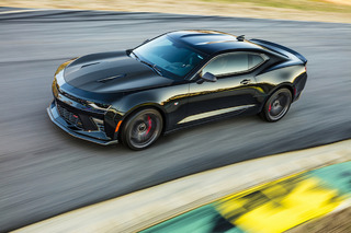 Chevrolet Heats Up Chicago With New Camaro 1LE—Now With V6 and V8
