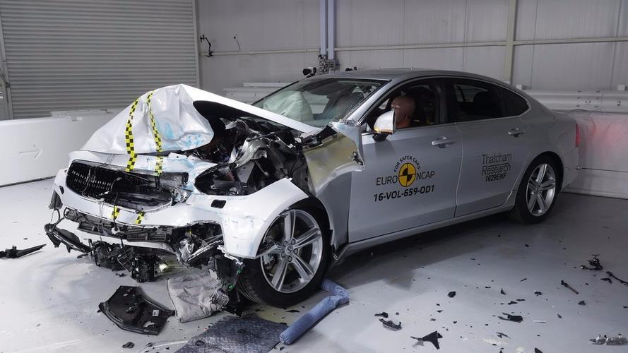 Volvo S90 e V90 alcançam nota máxima nas provas do Euro NCAP