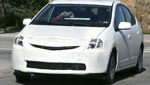 Toyota Prius Facelift Spy Photos