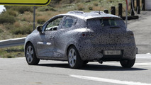2013 Renault Clio prototype spy photo