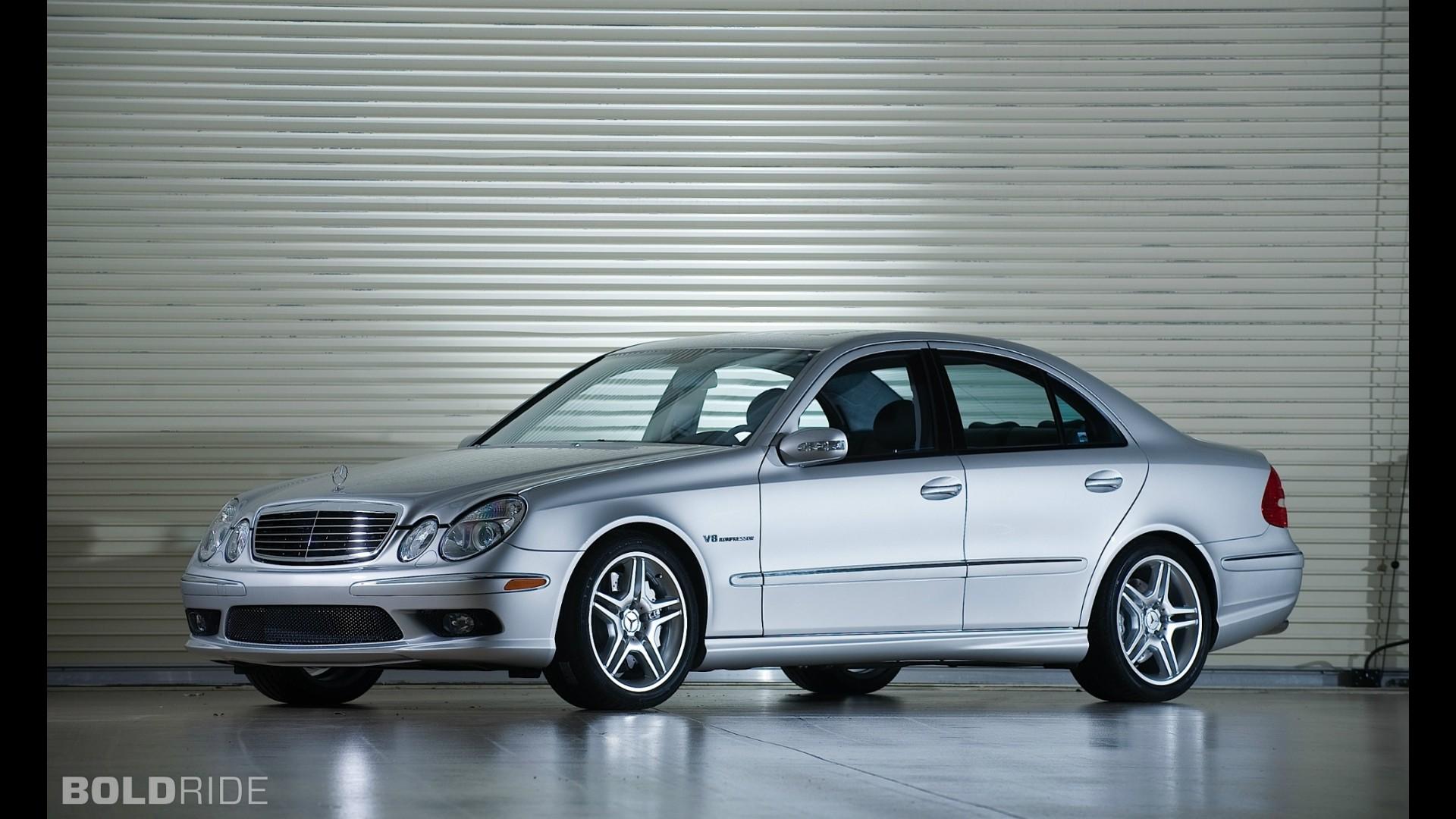 2009 e55 amg auto express mercedes benz e55 amg sciox Gallery