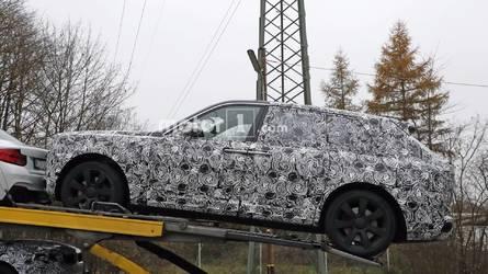Rolls-Royce Cullinan kamuflajını yavaştan kaybediyor