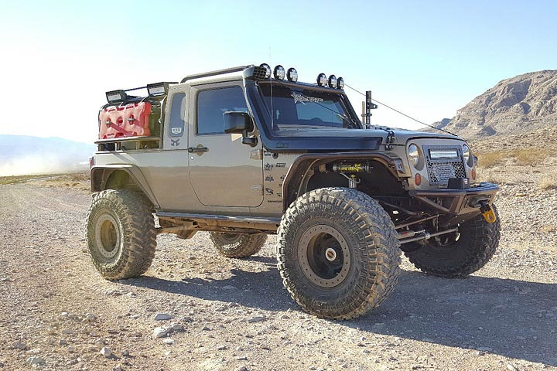 This eBay Jeep Wrangler Pickup Looks Ready to Rock 'n Roll   Motor1