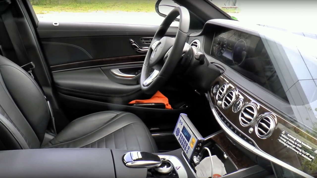2018 Mercedes S-Class facelift interior caught completely uncovered