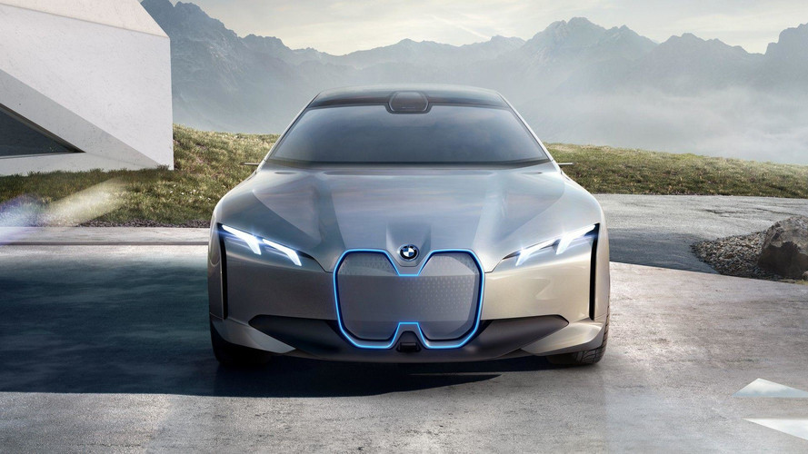 BMW'nin eski tasarım şefi yeni tasarım diline verdi veriştirdi