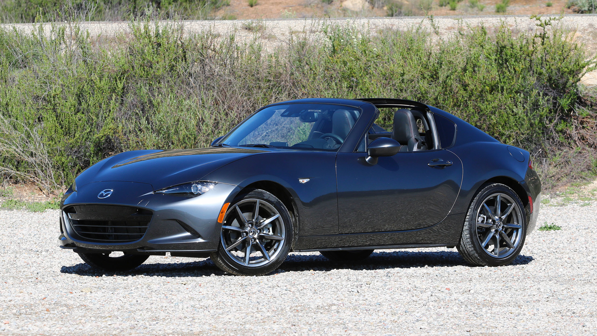 2017 mazda mx 5 miata rf first drive really fantastic. Black Bedroom Furniture Sets. Home Design Ideas