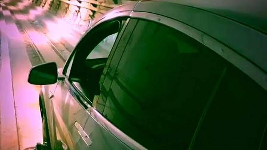 Boring Company firması, yer altı tünelinde bir Model X fırlattı